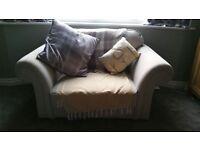 Heart of house love/snuggle chair armchair