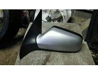 Astra mk4 pair ov electric wing mirrors