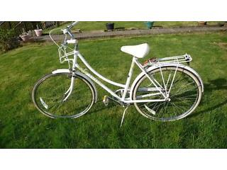 Vintage Raleigh Caprice (With Liz Pepperell floral design)