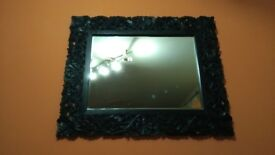 Very nice mirror to decorate your home in good condition can deliver! Thank you