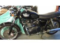 Nice black Triumph Bonneville 2004
