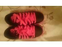 Girls Heelys Trainer, New, Pink and Black, Size 3
