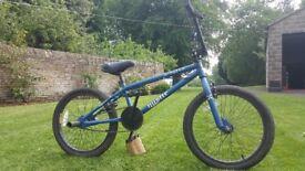 BMX BIKE! BARLEY USED!