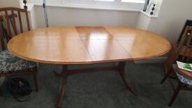 Solid dining table in perfect condition