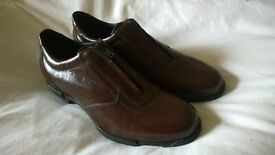 Bruno Magli brown leather shoes, size 4.