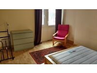 Lovely, bright room in mature student house - All bills included - available till January