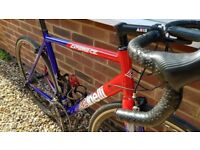 Cinelli Experience Road Bike with with internal cable routing, aluminium frame size large