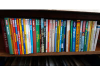 travel books job lot berlitz lonely planet rough guide mini guides