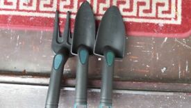 GARDEN HAND TOOLS 3 PIECES NEW