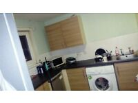 Two bed flat 3rd floor looking for 3 to 4 bedroom house
