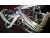GUESS SIZE 6.5 USED BUT VERY GOOD CONDITION VERY SOFT INSIDE 6 POUNDS
