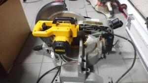 Dewalt 12 inch Compound Mitre Saw. We Buy and Sell Used Tools! (#23661) AT87477