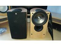 Kef iQ1 speaker