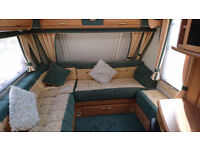 ABBEY GTS VOGUE 417 - YEAR 2002 - 4 BERTH WITH L-SHAPED LOUNGE