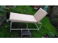 EXCELLENT CONDITION STATIC ADJUSTABLE MASSAGE THERAPY TATTOO BEAUTY COUCH! DROP DOWN SIDE STEPS!