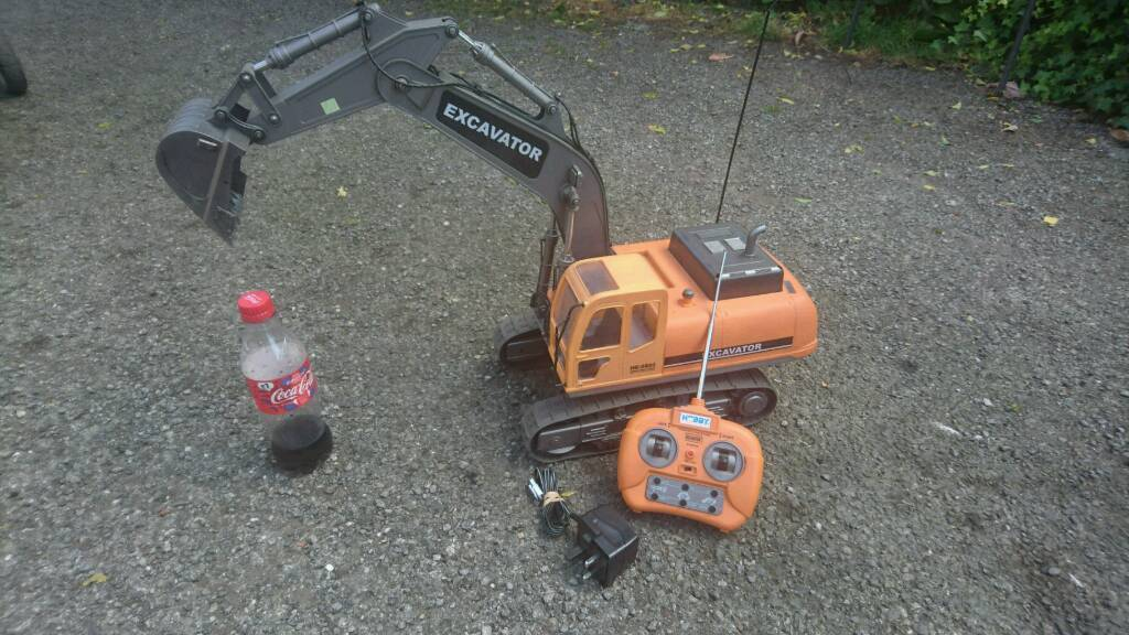 Rc rechargeable excavator toy