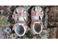 Baby girl shoes 20/4 UK/