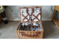 Andrew James 6 Person Wicker Picnic Basket