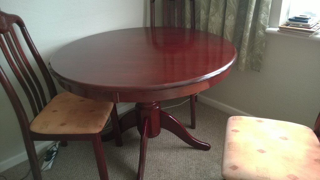 Light Mahogany Round Pedestal Dining Table And 4 Chairs In Leigh On Sea Es Gumtree