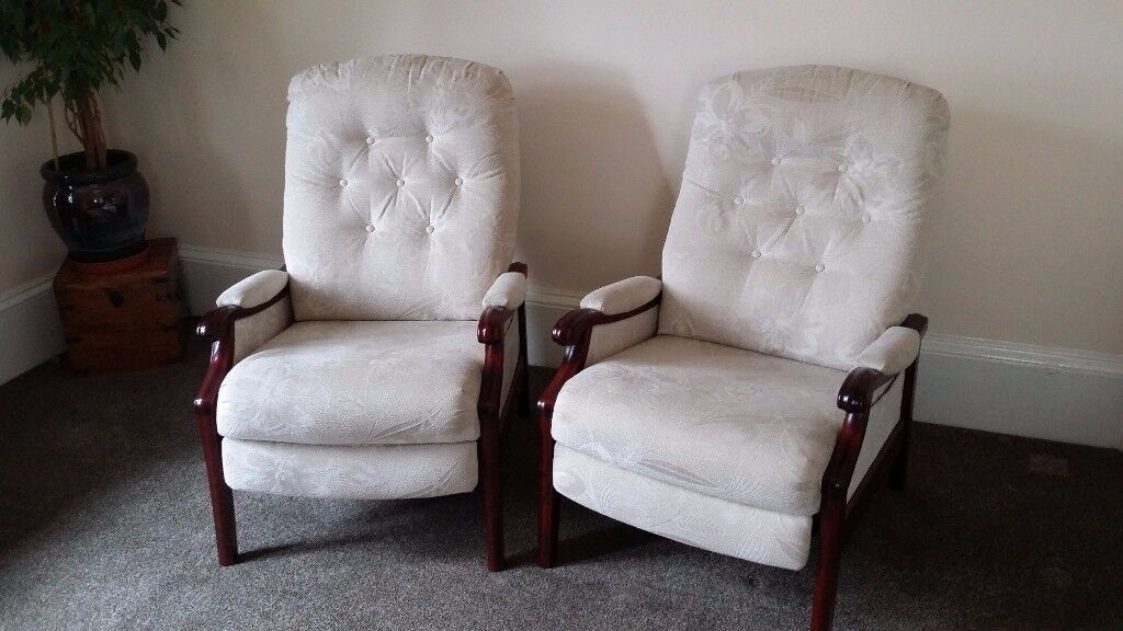 Living room suite; 2 chairs & 2 recliners by Cintique