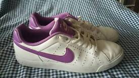 Nike court tour white leather with purple uk size 6