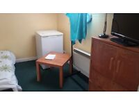 double room available in Acton