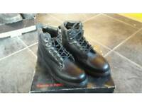 """Steel Toecap boots size 9 and work overalls boilersuit size med 38"""" to 40"""""""
