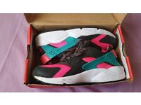 Nike Air Huarache Women Size 6 New Only £20