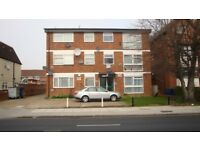 2 BED GROUND FLOOR FLAT 2 Double Beds, Large Reception, separate Kitchen, phone entry, tube 2-3mins