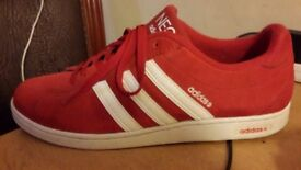 RED ADIDAS NEO SUEDE TRAINERS SIZE 9
