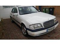 Mercedes-Benz, C CLASS, Saloon, 1996, Manual, 1799 (cc), 4 doors