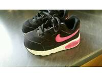 Nike air max girls trainers size 6,5 uk
