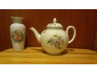 Teapot Royal Worchester Roanoke, very rare