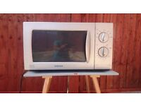 (QUICK SALE ) Samsung Microwave