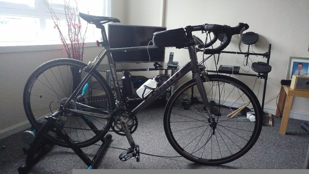 Giant defy 5 road bike with turbo trainer
