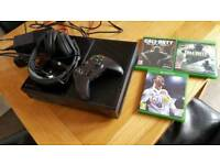 Xbox one 500gb with controller and games