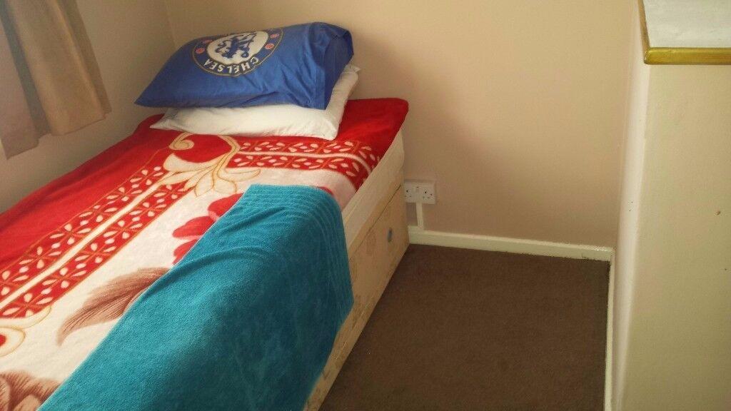 Spacious Single Bedroom-All Bills Inclusive