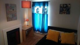 Hello evryone I have very nice and buetyfull room to rent in Woolwich at South East London