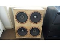 2 speakers and 1 Yamaha bass amplifier on sale.