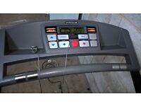 Electronic Treadmill, preset 30min programs, incline etc