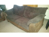 3 and 2 seater suite sofa couch good codition can deliver