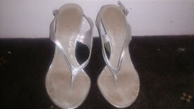 lovely toe post wedge sandals size 3, only worn couple of times £6
