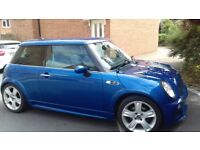 Stunning 2006 Mini Cooper S with JCW body kit.