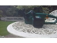B&Q electric chainsaw 1800 watt motor in excellent condition,