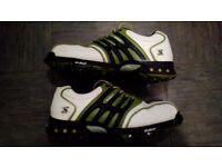 Size 9.5 stuburt golf shoes.