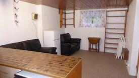 2 Bedroom Basement Flat Ealing W5 £1,200 PCM