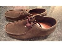 CLARKS VINTAGE in amazing conditions only £10!!!!! SIZE 9