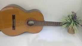 R-Moreno Spanish guitar