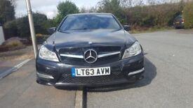 Mercedes Benz c250 auto diesel drives like new full 1 year mot leather 2 keys full service history