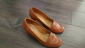 Clarks brown leather ladies shoes